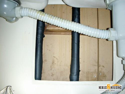 キッチン蛇口 配管部分の保温材