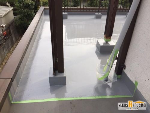 ウレタン防水完成-足元のブロック