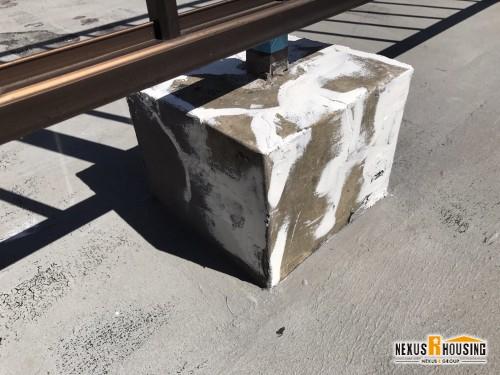 亀裂補修 足もとブロック