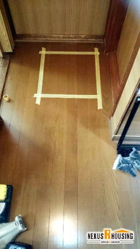 廊下の床下点検口マーキング