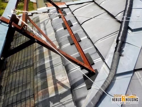 完成した太陽光パネル付き瓦屋根