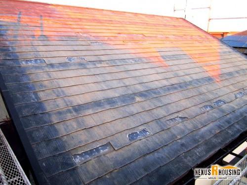 太陽光パネルが撤去された屋根