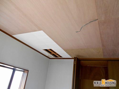 解体後、下地を施工した天井