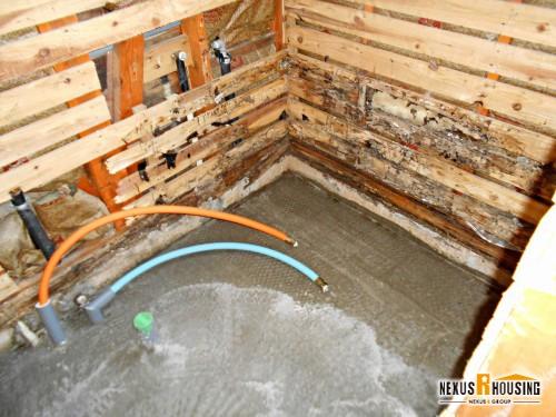 解体後の浴室