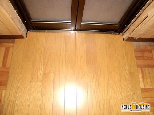 脱衣スペースのみ床材重ね張り
