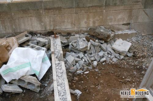 ウッドデッキ解体後、残ったブロック塀の土台
