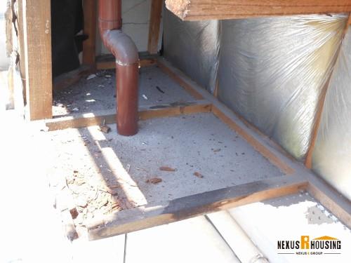 腐った木材の撤去
