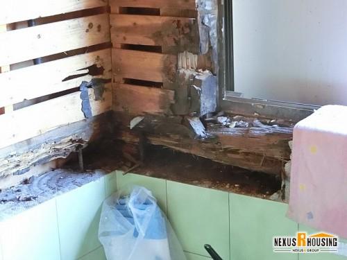 枠の周囲は水漏れが起こりやすい
